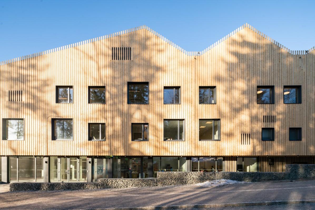 Skapaskolan i Huddinge av Street Monkey Architects, fotograferat av arkitekturfotograf Mattias Hamrén.