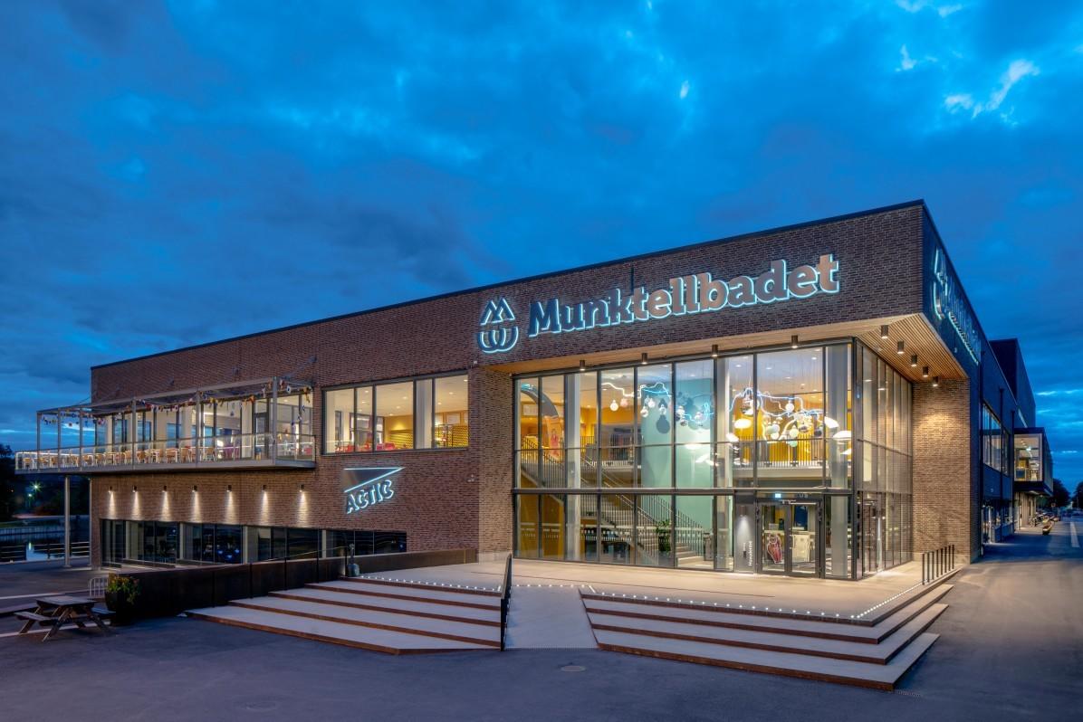 Munktellbadet i Eskilstuna, fotograferat av arkitekturfotograf Mattias Hamrén.