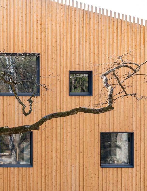 Fasaden på Skapaskolan i Huddinge.