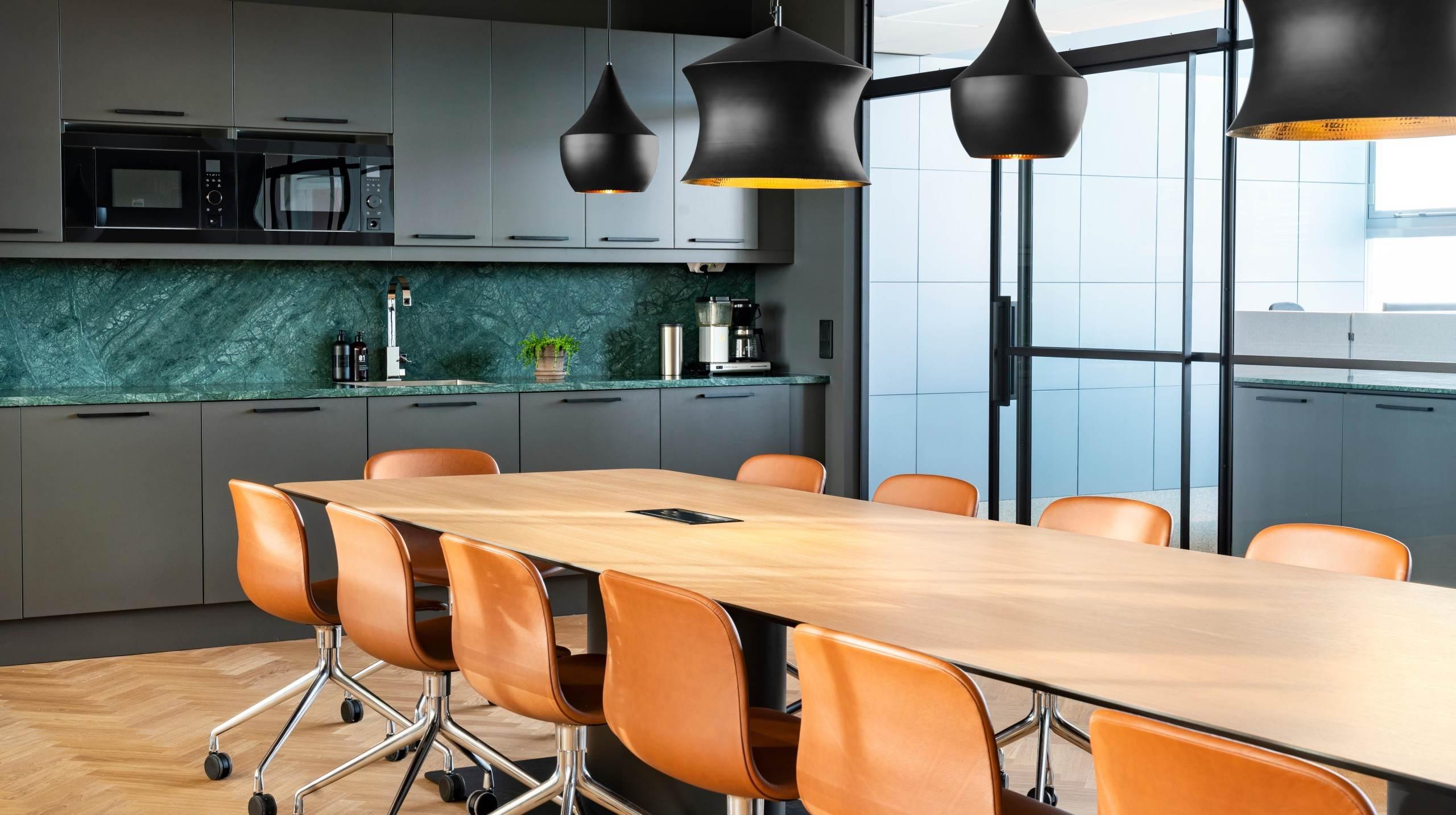 Svensk Fastighetsförmedlings kontor i Nacka, fotograferat av arkitekturfotograf Mattias Hamrén