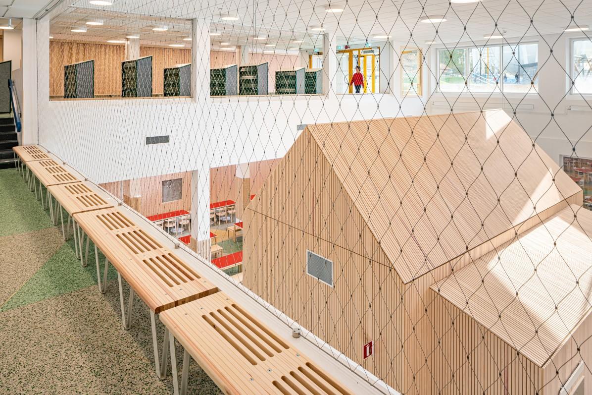 Öppen interiör på Bobergsskolan av Max Arkitekter.