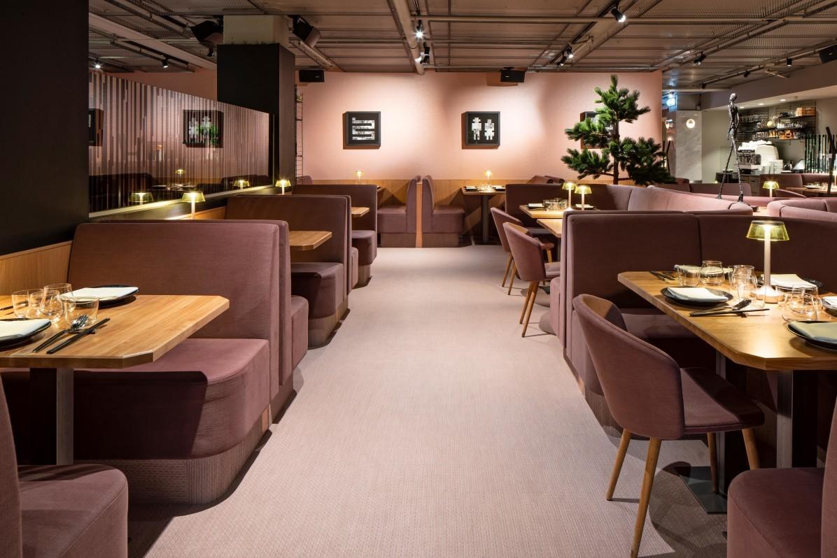 Dukade bord på Nikkei-restaurangen Videgård i Sturegallerian i Stockholm.