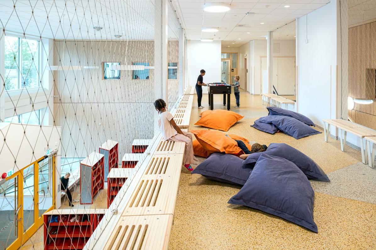 Interiör av Bobergsskolan, fotograferat av arkitekturfotograf Mattias Hamrén.