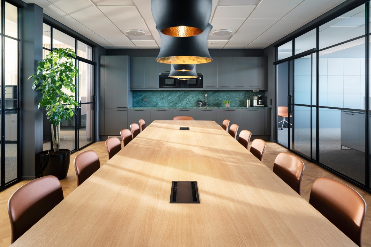 Svensk Fastighetsförmedling, conference room and kitchen